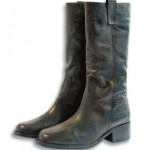 Gaucho low heeled boots
