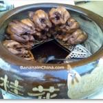 Roast chicken in claypot urn