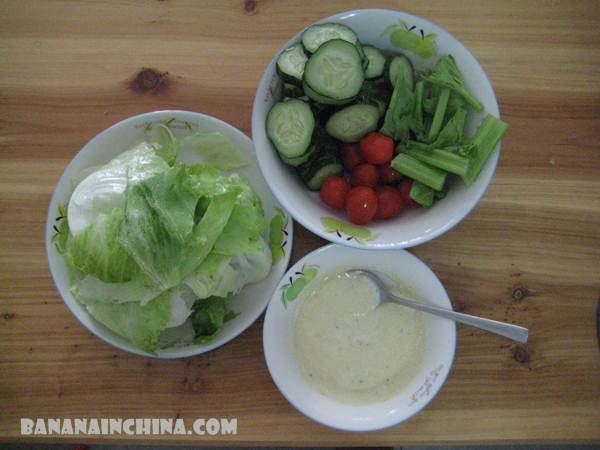 cherry-tomato-celery-letuce-and-zucchini-salad